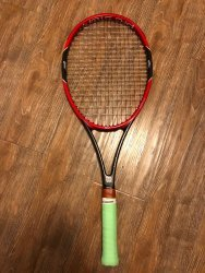 link to Wilson Pro Staff 97 (95% new, with minor scratches on the side)