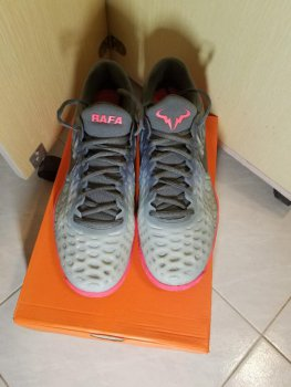 link to Nike Zoom Cage 3 (US10)