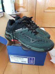 link to Brand new Mizuno Wave Exceed Tour 4 AC US8/UK7