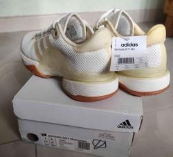 link to Brand new tennis shoes US9